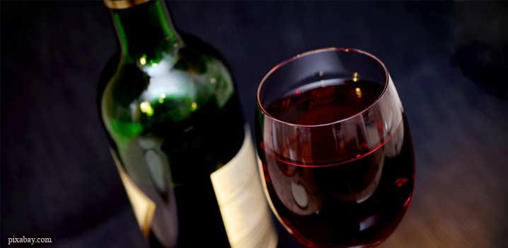 Atenție entuziaști ai vinului: acizii din vin vă fac dinții vulnerabili la eroziunea dentară, în doar câteva minute